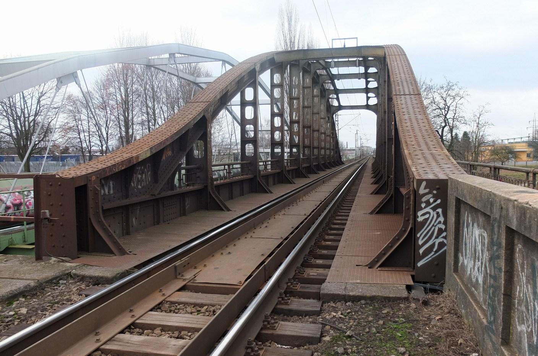 železnák