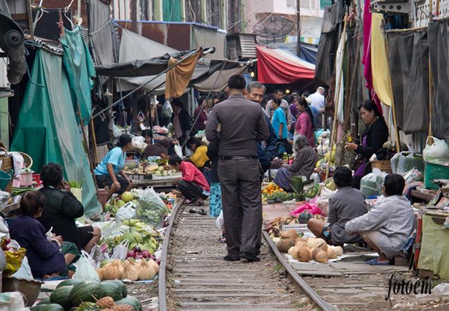 tržiště na kolejích